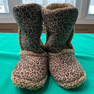 Shoes - 🆕 Leopard Boot Slippers